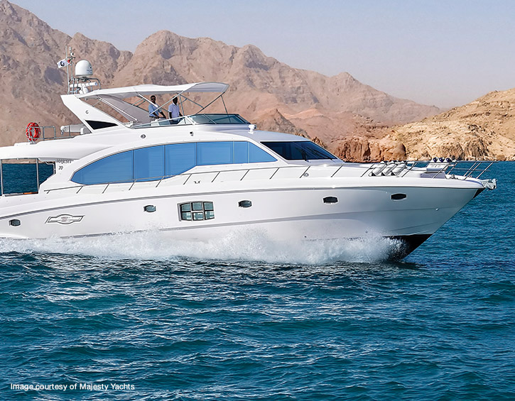 TracPhone V7-HTS - majesty yacht on water